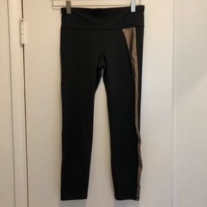 Capri High-Rise Black Leggings